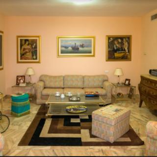 חדר העבודה וחדר האירוח במגורי הארי רקנאטי